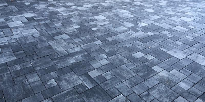 Gehwege und Terrassen aus Betonpflaster pflastern lassen